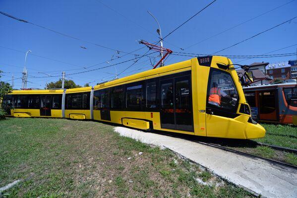 Новый трамвай Метелица во время испытаний в городе Краснода
