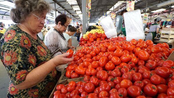 Рыночная торговля на Центральном продовольственном рынке. Архивное фото