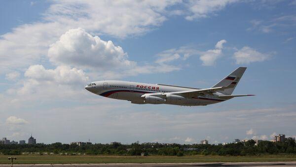 Пассажирский самолет Ил-96, переданный в Специальный летный отряд Россия Управления делами президента РФ