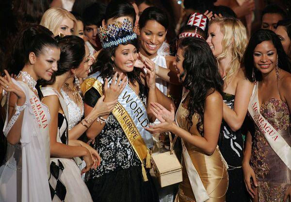 Победительница конкурса Мисс Мира Уннур Бирна Вильяльмсдоттир из Исландии, 2005 год