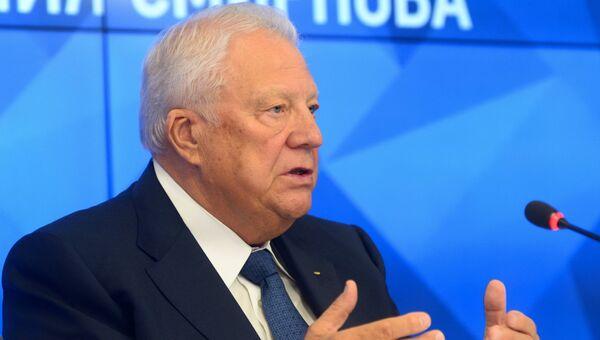Почетный президент Олимпийского комитета России Виталий Смирнов. Архивное фото