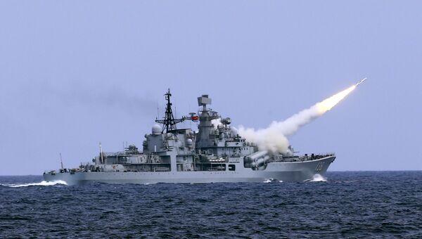 Военные учения КНР в Восточно-Китайском море. Архивное фото