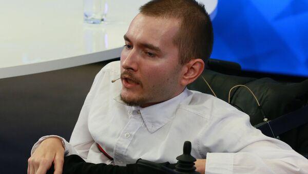 Пресс-конференция инженера, первого кандидата на трансплантацию головы Валерия Спиридонова в Международном мультимедийном пресс-центре МИА Россия сегодня Москве