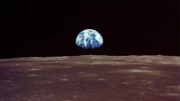 Вид на Землю с Луны. Архивное фото