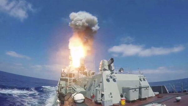 Пуск крылатых ракет Калибр по объектам Джебхат ан-Нусра в Сирии из акватории Средиземного моря