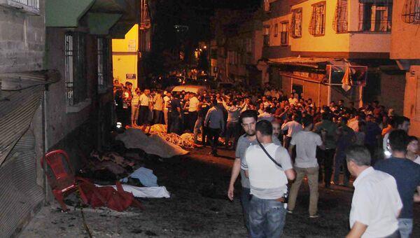 Место взрыва в турецком городе Газиантеп. 21 августа 2016