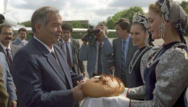 Встреча президента Узбекистана Ислам Каримов в московском аэропорту