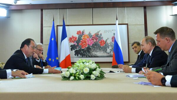 Президент РФ Владимир Путин и президент Франции Франсуа Олланд во время встречи в рамках саммита Группы двадцати G20 в Ханчжоу