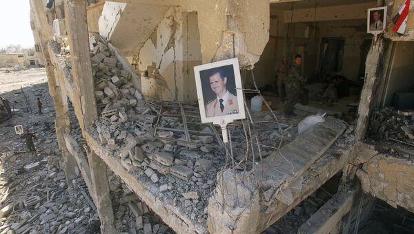 Портрет сирийского президента Башара Асада в Алеппо. Архивное фото
