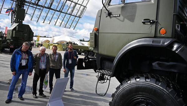 Мобильная трехкоординатная РЛС малых высот кругового обзора боевого режима межвидового применения Подлет-К1 представлена в открытой экспозиции на Международном военно-техническом форуме АРМИЯ-2016. Архивное фото