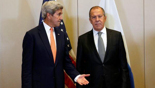 Глава МИД РФ Сергей Лавров и госсекретарь США Джон Керри на переговорах по урегулированию сирийского кризиса в Женеве, Швейцария. 9 сентября 2016 года