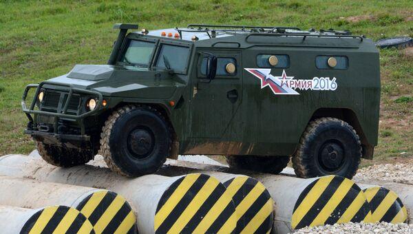 Бронеавтомобиль Тигр во время демонстрационного показа военной техники на полигоне Алабино на Международном военно-техническом форуме АРМИЯ-2016. Архивное фото
