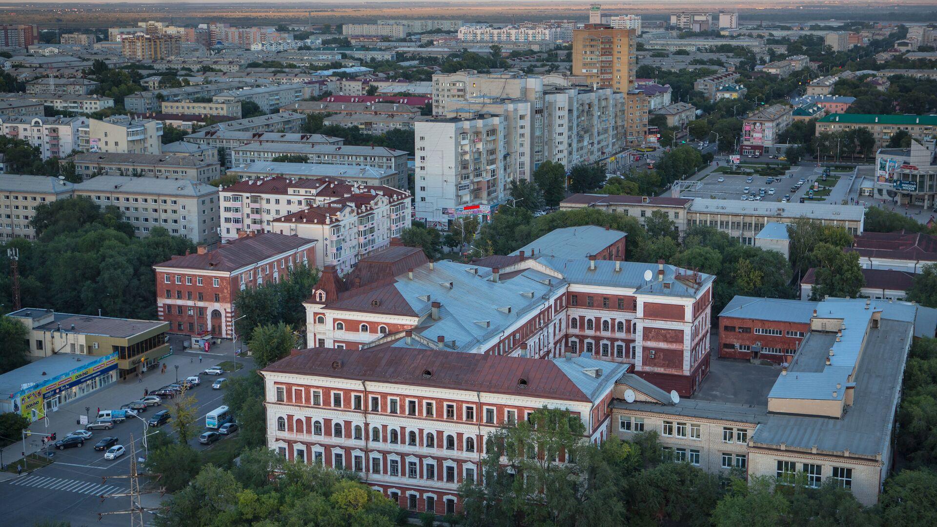 Губернатор Приамурья заключил на ВЭФ соглашения на 140 миллиардов рублей