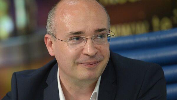 Политический обозреватель ВГТРК, ведущий программы Вести Андрей Кондрашов. Архивное фото