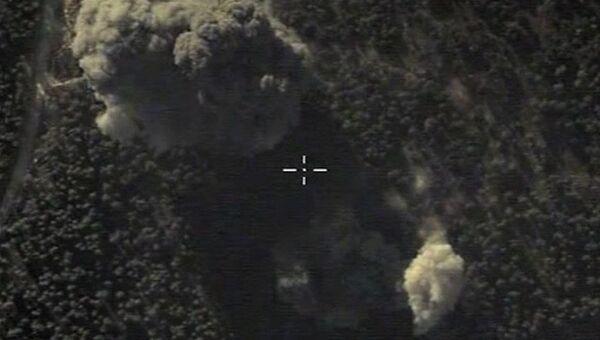 Самолеты российских Воздушно-космических сил нанесли точечный авиационный удар по скоплению военной техники Исламского государства в районе населенного пункта Идлиб в Сирии. Максимально возможное качество