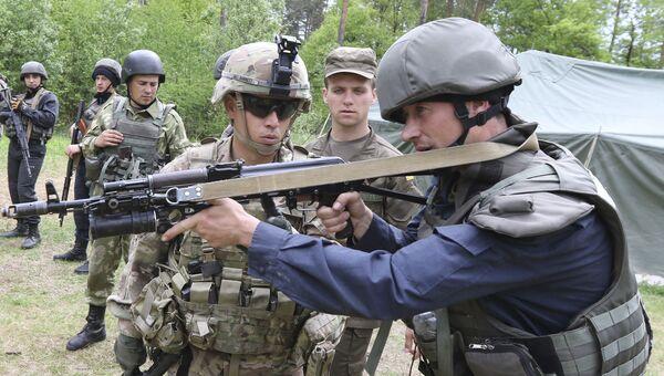 Американские и украинские военные во время учений во Львовской области. Архивное фото