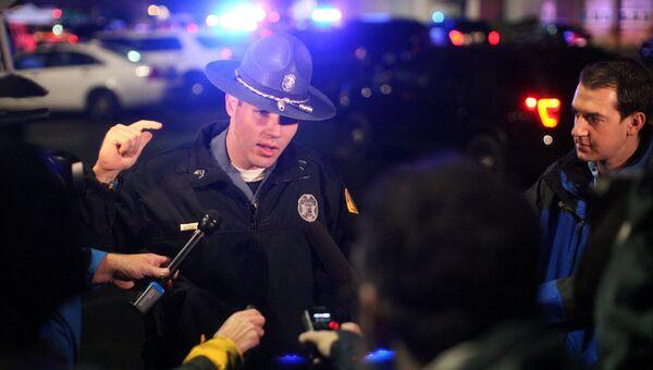 Полиция на месте стрельбы в Берлингтоне, штат Вашингтон, 23 сентября 2016