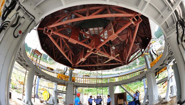 Строительство радиотелескопа FAST в провинции Гуйчжоу. 28 июля 2015