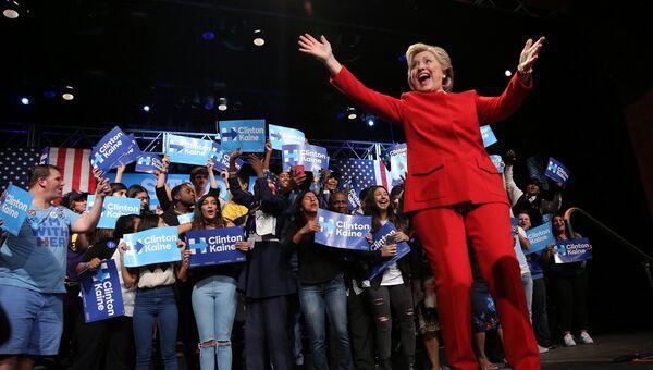 Кандидат в президенты США Хиллари Клинтон на дебатах