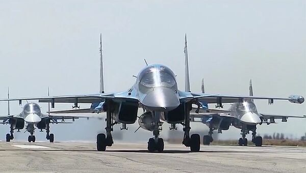 Вылет первой группы самолетов ВКС России с авиабазы Хмеймим. архивное фото