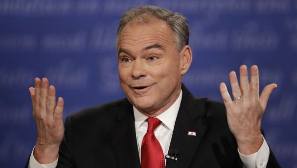 Кандидат в вице-президенты США от Демократической партии Тим Кейн во время дебатов. Архивное фото
