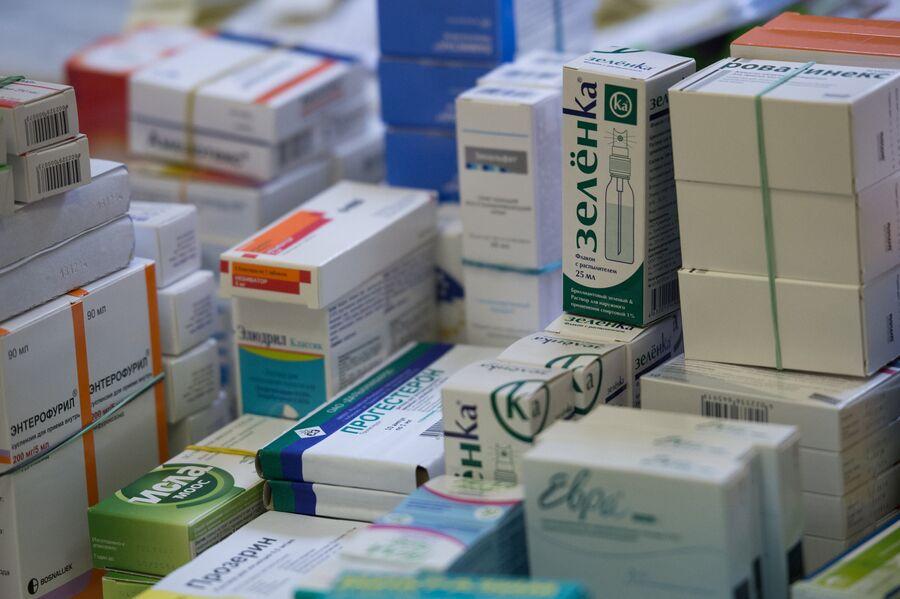 Лекарства в одной из аптек Москвы