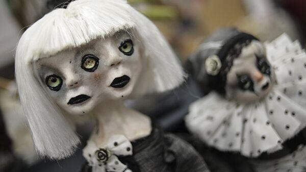 Куклы на 12-й международной выставке-ярмарке Салон авторской куклы в Москве