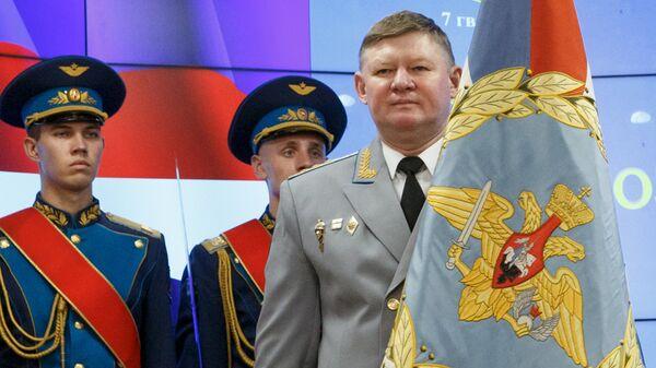Командующий Воздушно-десантными войсками РФ генерал-полковник Андрей Сердюков. Архивное фото