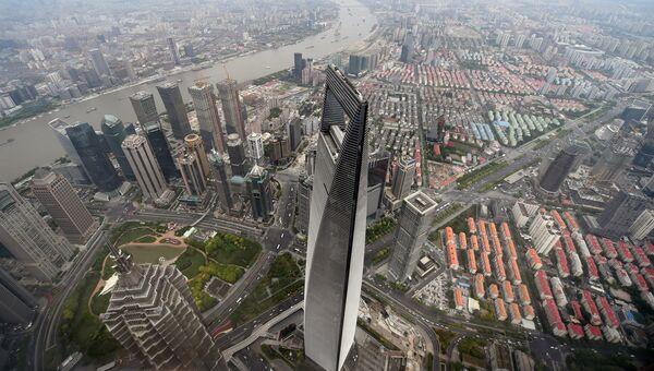 Всемирный финансовый центр в Шанхае, Китай. Архивное фото