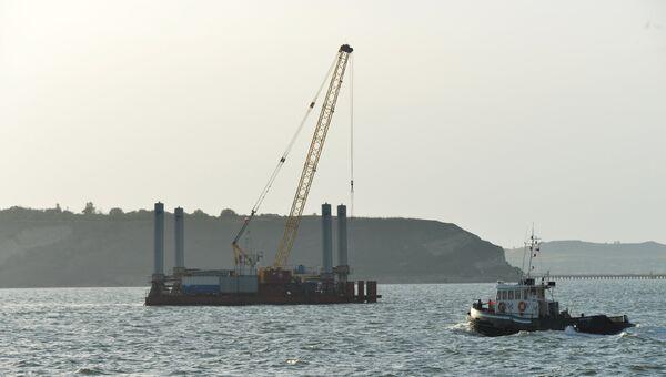 Строительство моста через Керченский пролив. Архивное фото