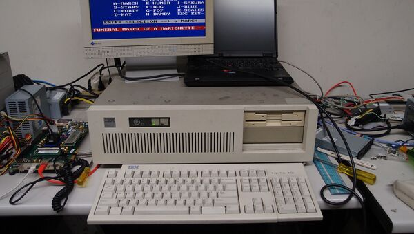 Компьютер IBM PC/AT
