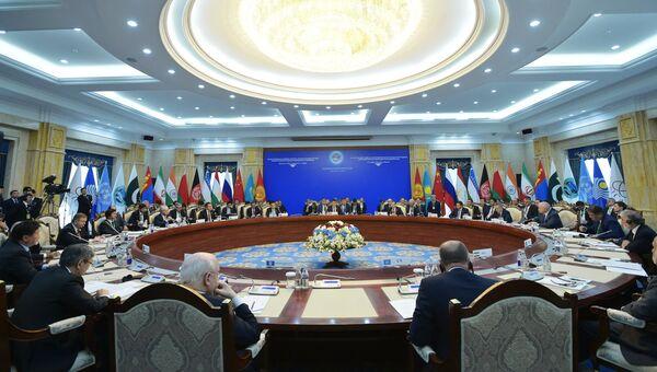 Заседание совета глав правительств государств - членов ШОС в Бишкеке. 3 ноября 2016