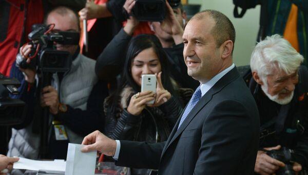 Кандидат в президенты страны от Болгарской социалистической партии Румен Радев.