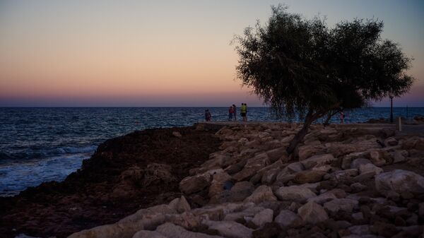 Берег Средиземного моря в городе Протарас на Кипре. Архивное фото