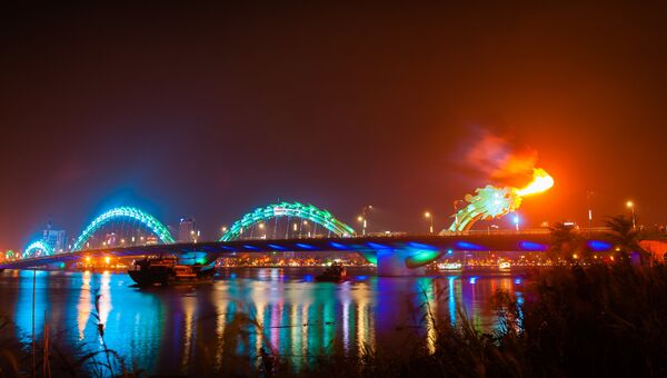 Мост Дракона. Дананг, Вьетнам. Архивное фото