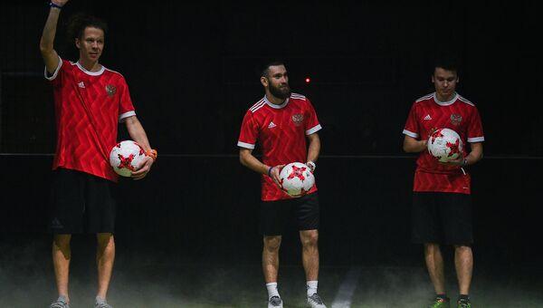 Презентация новой формы сборной России по футболу и официального мяча Кубка  Конфедерации-2017 ea037d31ac7