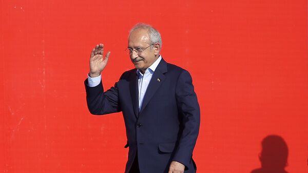 Лидер оппозиционной Народно-республиканской партии Турции Кемаль Кылычдароглу в Стамбуле. Архивное фото