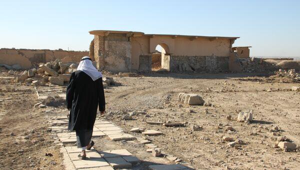Имам Абдалла показывает нам, что осталось от древнего Нимруда