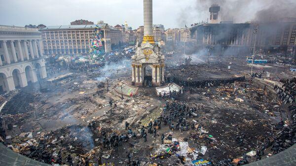 Площадь Независимости в Киеве. Февраль 2014