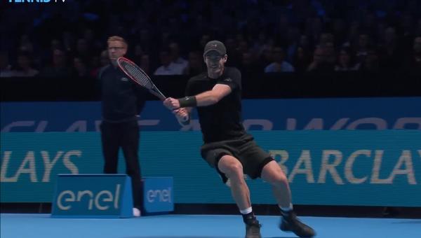 Самые невероятные удары финала мирового тура ATP. Скриншот с видео