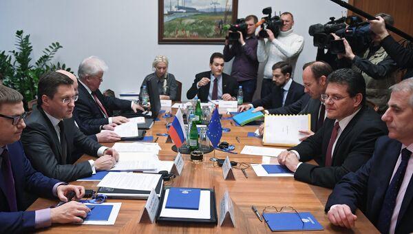 Министр энергетики РФ Александр Новак и вице-президент Еврокомиссии по энергосоюзу Марош Шефчович во время встречи в Москве