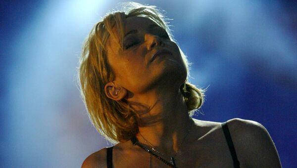 Французская певица Патрисия Каас во время музыкального фестиваля Всемирный день музыки на площади Революции в Бухаресте, Румыния