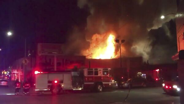 Пожар в ночном клубе в Окленде. Калифорния. Архивное фото