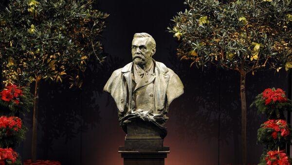 Бюст Альфреда Нобеля в концертном зале Стокгольма. Архивное фото