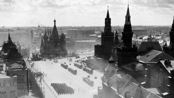 Подразделения Ракетных войск стратегического назначения на параде 1 мая 1967 года на Красной площади