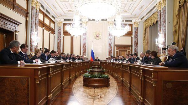 Председатель правительства РФ Дмитрий Медведев проводит заседание кабинета министров РФ в Доме правительства РФ. 8 декабря 2016