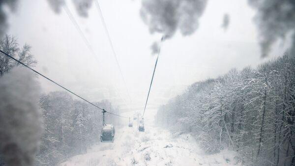 Подъемник на горнолыжном курорте Горки Город в Сочи