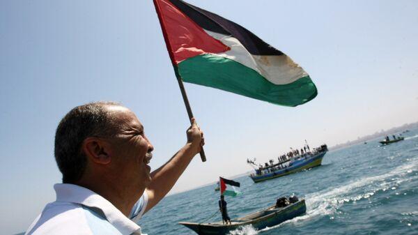 Жители Палестины приветствуют Флотилию свободы. 2010 год
