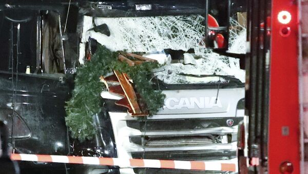 Грузовик, протаранивший рождественскую ярмарку в Берлине, Германия