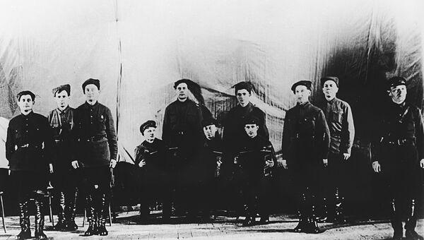 Ансамбль красноармейской песни Центрального дома Красной Армии имени М. В. Фрунзе. 12 октября 1928 года